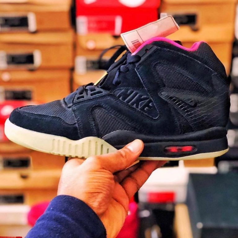This @Nike Air Yeezy 2 Original Prototype Sample is a true hybrid of the creativ…