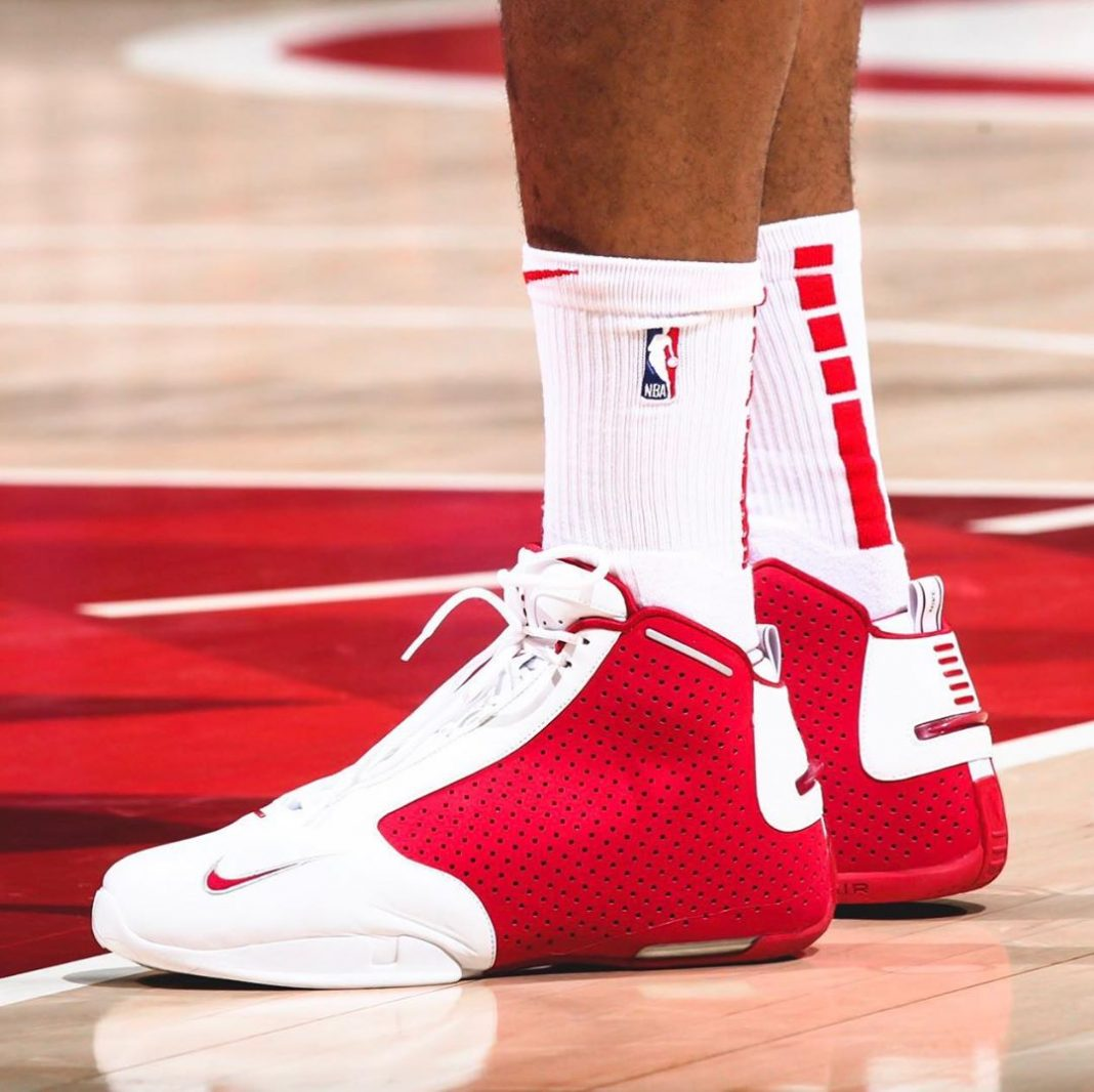 #KicksOnCourt: P.J. Tucker pulled out the Nike Air Zoom Flight 2K3 tonight again...